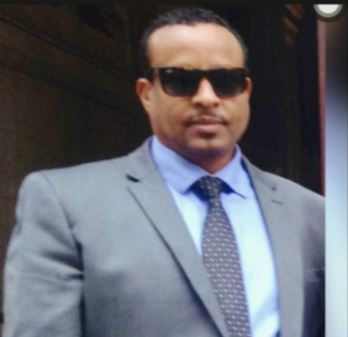 """Muusow Hadaad Somaliland Ka Dooratay Ina Riyo Raac Geellaaga Hakuu Raaco Ee Adiguna Is Casil""""….Siyaasi Barkhad Jibriil"""