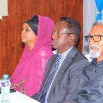 Waxaa qoray, Xildhibaan Mahad Salaad oo katirsan Baarlamaanka Somaliya.