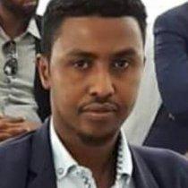 Diyaaradii Duulimaadka Dheer Ku Jirtay. W.Q. Abdirashiid Muuse Aadan