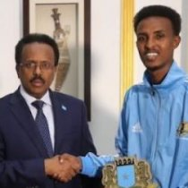 Dhalinyaraddii Somaliland oo ku sii qulqullaysa Muqdisho Iyo Xukuumadda Farmaajo oo Xafiis u Samaysay.